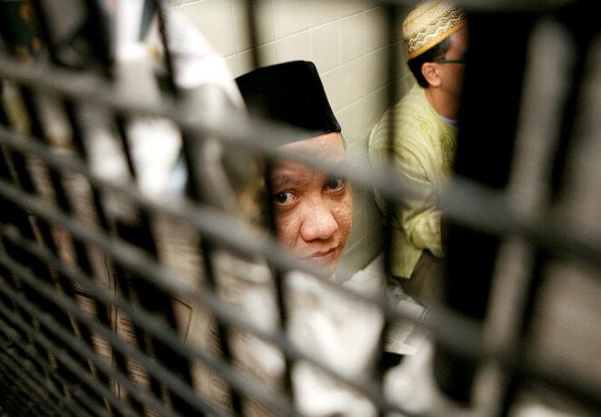 Jakarta, le 17 décembre 2007. Zarkasi, chef du réseau Jemaah Islamiyah, dans sa cellule avant son procès pour le contrôle des opérations et l'organisation des attentats de Bali en 2002. © Photo Ahmad Zamroni / AFP