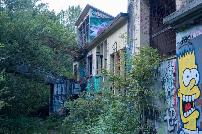 La façade est côté départ vers le Revard - septembre 2021 © plbillot