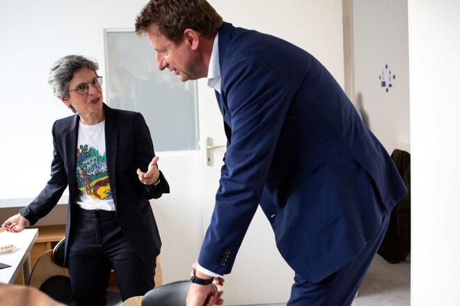 Sandrine Rousseau et Yannick Jadot à Mediapart lors du troisième debat de la primaire ecologiste, le 10 septembre. © Sébastien Calvet /Mediapart