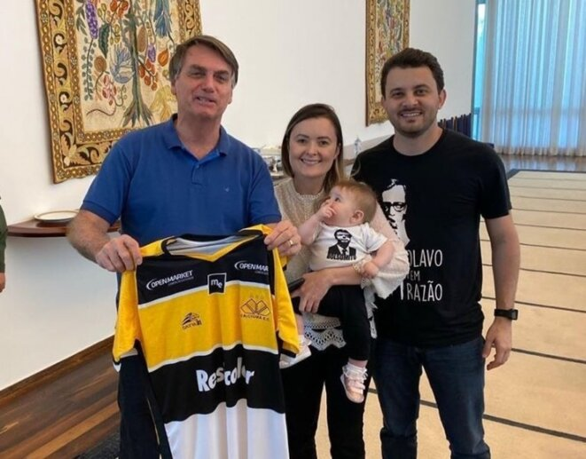 Jair Bolsonaro, Júlia Zanatta et son mari Guilherme Colombo. © DR