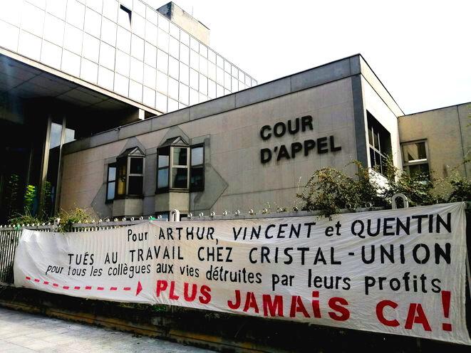 Devant la cour d'appel de Reims, le 21 septembre. © Photo D.I.