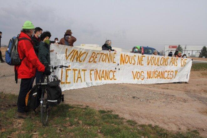 Mobilisation d'opposants au GCO sur le site de l'aire de service à Duttlenheim courant 2020 © GCO NON MERCI