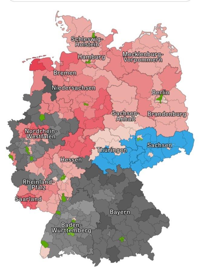 Carte après l'élection SPD (rouge-rose), CDU (noir-gris)), Grünen (Vert)  AfD (Bleu)