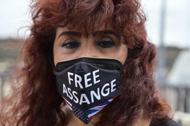 Une manifestante en soutien de Julian Assange à Mexico le 28 août 2021. © Pedro Pardo/AFP
