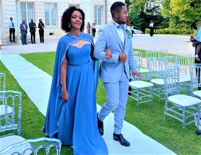 """DBNEWS.Château dans le 78, S.E.M Liliane Massala, Ambassadeur du Gabon en France et son fils Antony, le """"jeune marié"""""""