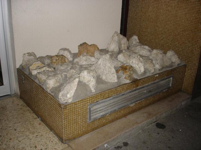 cailloux-roches-et-pierres-1