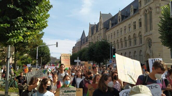 Marche pour le climat du samedi 2 octobre 2021, dans les rues de Strasbourg © Bruno Dalpra