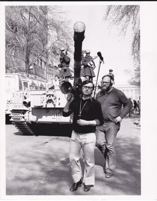 Lucien (with soundman Tomas Hnevsa) in Tehran covering for UPITN the return to Iran of Ayatollah Ruhollah Khomeini in 1979. © DR