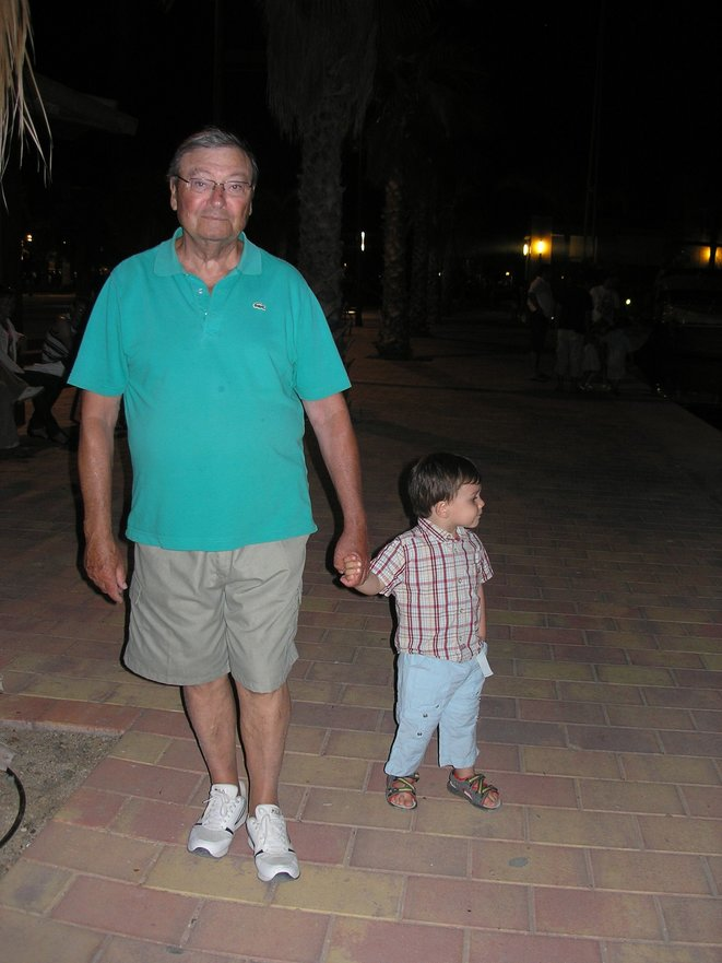 Lucien on holiday in Spain with his grandson Tristan, July 2008. © Odile Botras