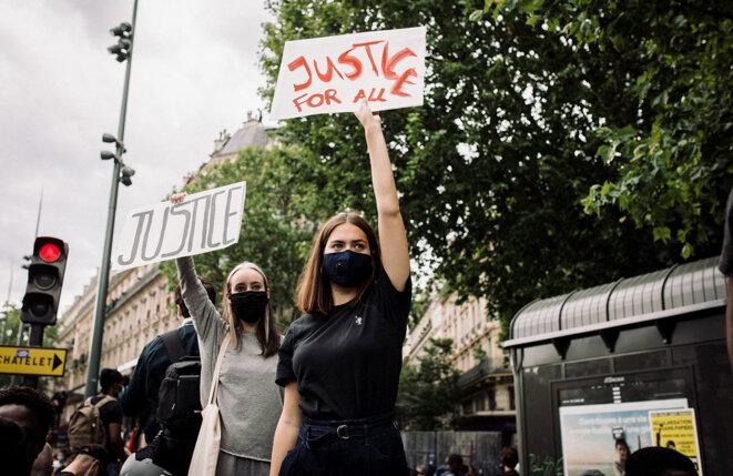 Lors d'une manifestation à l'appel du collectif «Justice pour Adama» à Paris, le 13 juin 2020. © Photo Philippe Labrosse / Hans Lucas via AFP
