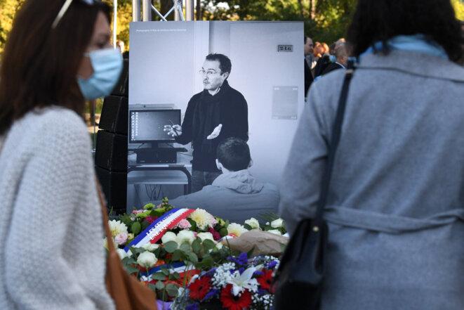 Hommage à Samuel Paty, samedi 16 octobre 2021, dans sa ville d'Eragny (Val d'Oise). © Crédit Alain JOCARD / AFP