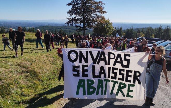 Marche pour des forêts vivantes, samedi 16 octobre 2021, dans le nord de la Corrèze. © NC