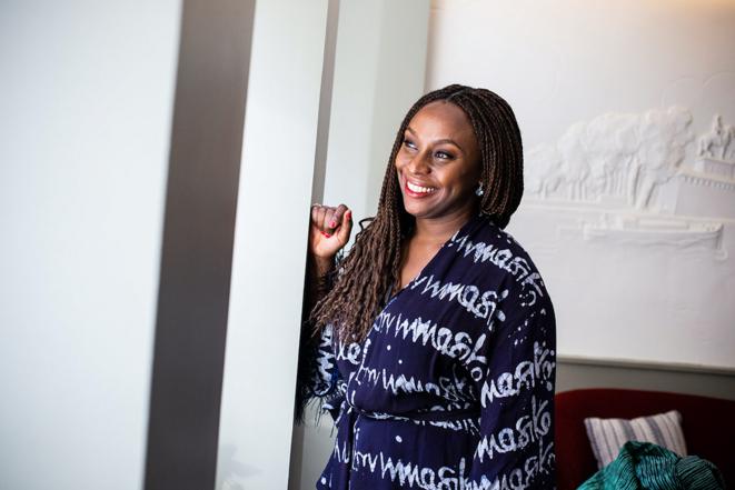 Chimamanda Ngozi Adichie à Paris, le 19 septembre 2021 © Sébastien Calvet/Mediapart