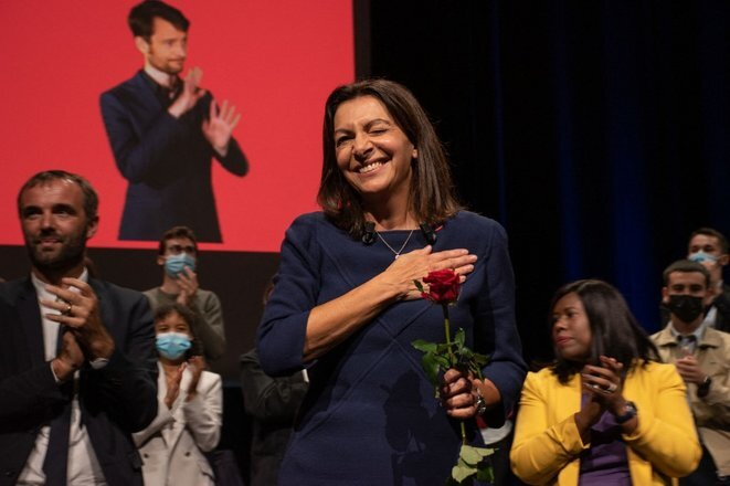 Anne Hidalgo en meeting à Lille, le 23 octobre. © Hélène Decaestecker/Hans Lucas via AFP