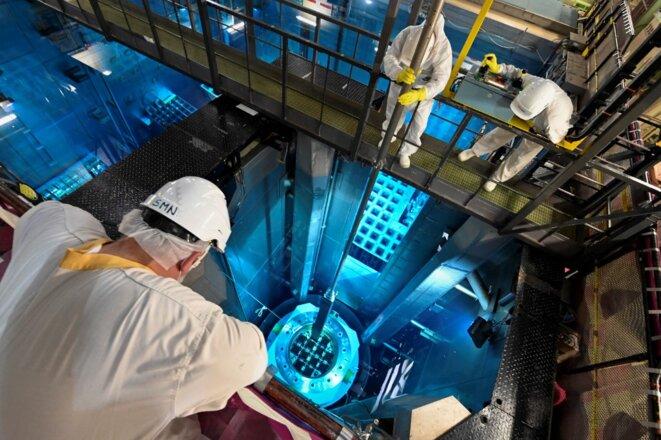 Chargement de combustible à la centrale de Fessenheim © SEBASTIEN BOZON / AFP
