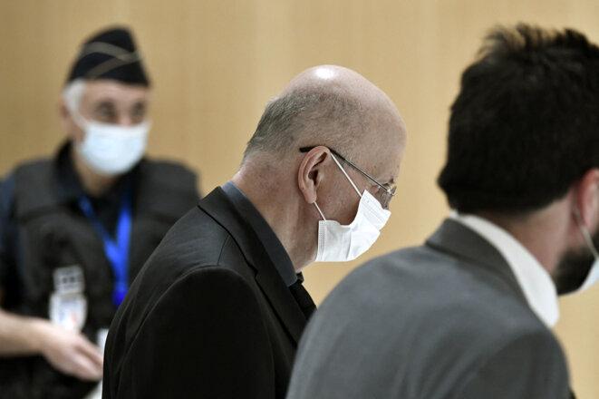P. Buisson au tribunal de Paris, le 18 octobre 2021. © Stéphane de Sakutin/AFP