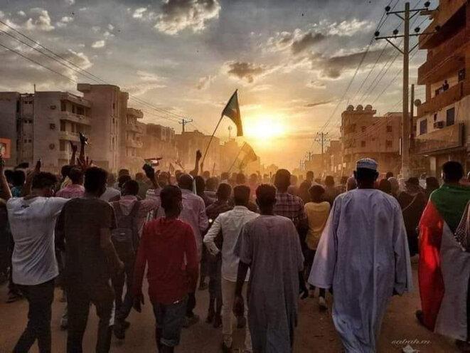 Image prise hier, 25 octobre, dans les rues de Khartoum. Cette image circule sur les réseaux sociaux. Nous n'en connaissons pas l'auteur.e, nous n'en avons pas les droits.