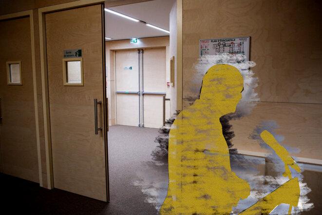 La salle d'audience du procès des attentats du 13-Novembre. © © Photomontage Sébastien Calvet / Mediapart