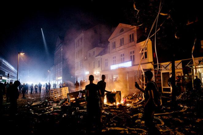 Et soudain, le Black Bloc tient un quartier à Hambourg