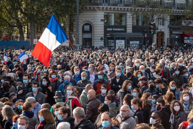 Place de la République et de tous ses enseignants