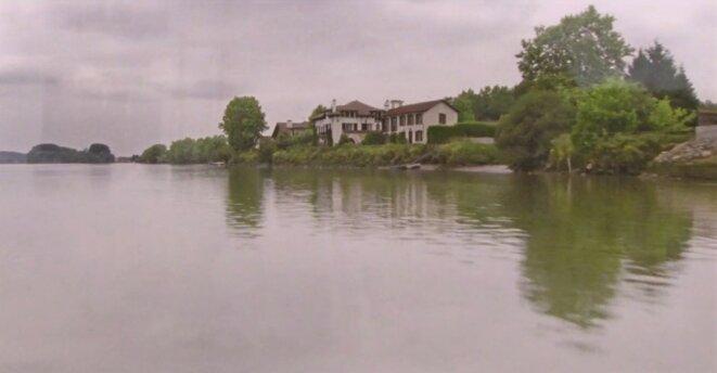 «Barthes*»: au fil du fleuve Adour et des mythologies
