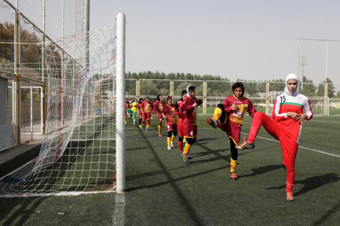L'Iran s'ouvre au football féminin