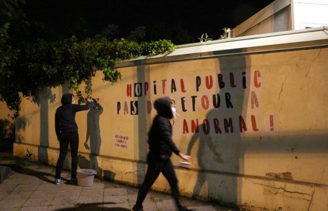 De nuit, entre deux gardes, des soignants infatigables relancent leur mobilisation pour l'hôpital