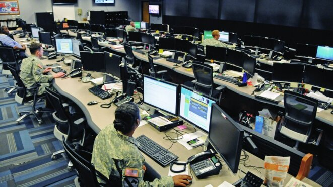 Cyber and military intelligence specialists monitor Army networks in the Cyber Mission Unit's Cyber Operations Center at Fort Gordon, Georgia.  Photo: U.S. Army Cyber Command © U.S. Army Cyber Command