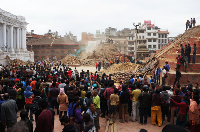 Dans Katmandou en deuil