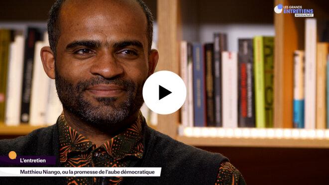 Matthieu Niango et son roman hanté par la question démocratique