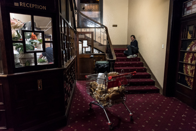 A Melbourne, l'hôtel des mille et une vies cassées a rendu les armes