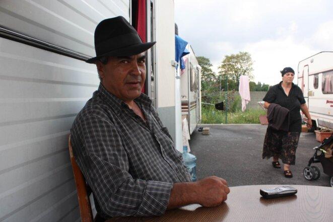 Stefan, 54 ans, habite depuis 2001 en France avec deux de ses enfants. Il a changé environ 10 fois de lieu d'habitation. © E.Berthaud