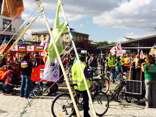 Arrivée du tour Alternatiba à Paris, 26 septembre 2015 (JL).