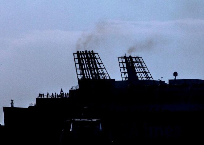 Ces navires qui font suffoquer Marseille