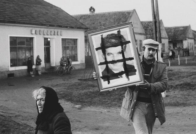 Roumanie 1989: et Dobrivoie Kerpenisan saisit son village en révolution...