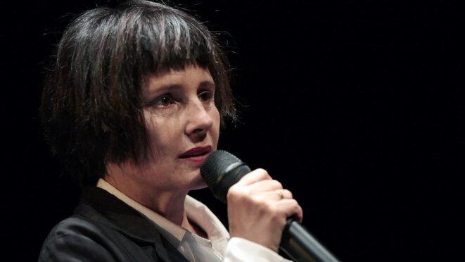 «Et pourquoi moi je dois parler comme toi», un spectacle d'Anouk Grinberg