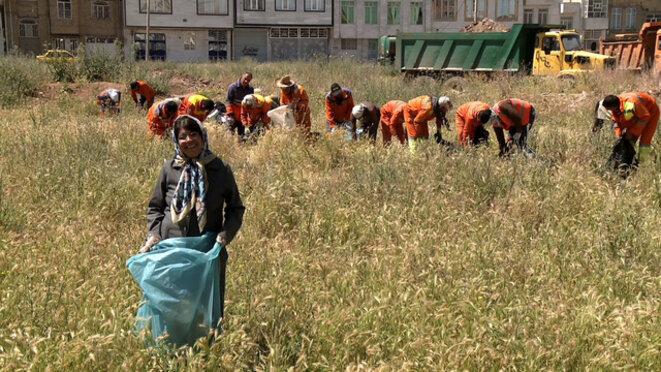 « Terre mère » : le combat d'une Iranienne pour que cessent les décharges sauvages