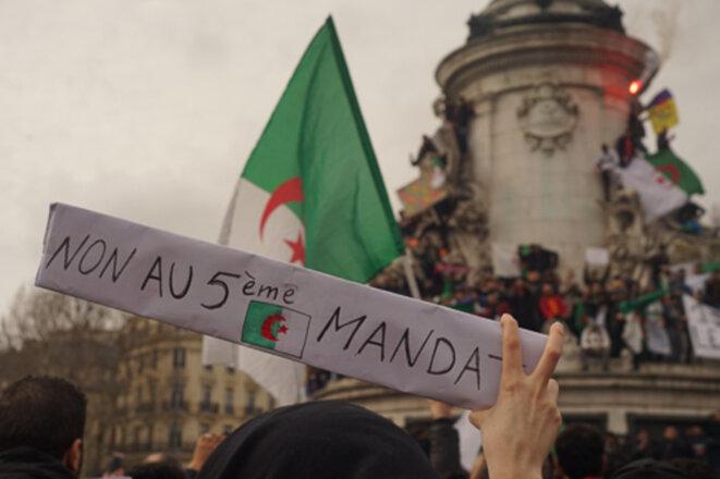 Les Algériens de France disent eux aussi «Dégage» à Bouteflika