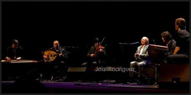 El Lebrijano, entouré de ses musiciens © Joss Rodriguez