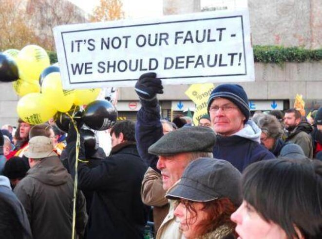 Demonstrators in Ireland protest austerity plan. © DR.