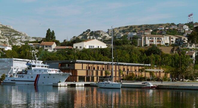 Le Drassm installé à L'estaque, Marseille, et l'André-Malraux ©S. Cavillon/Drassm