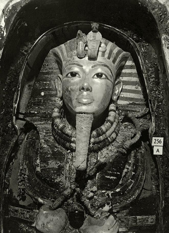 Sarcophage 2 © Harry Burton