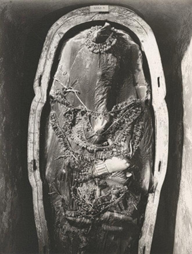 Sarcophage 3 © Harry Burton