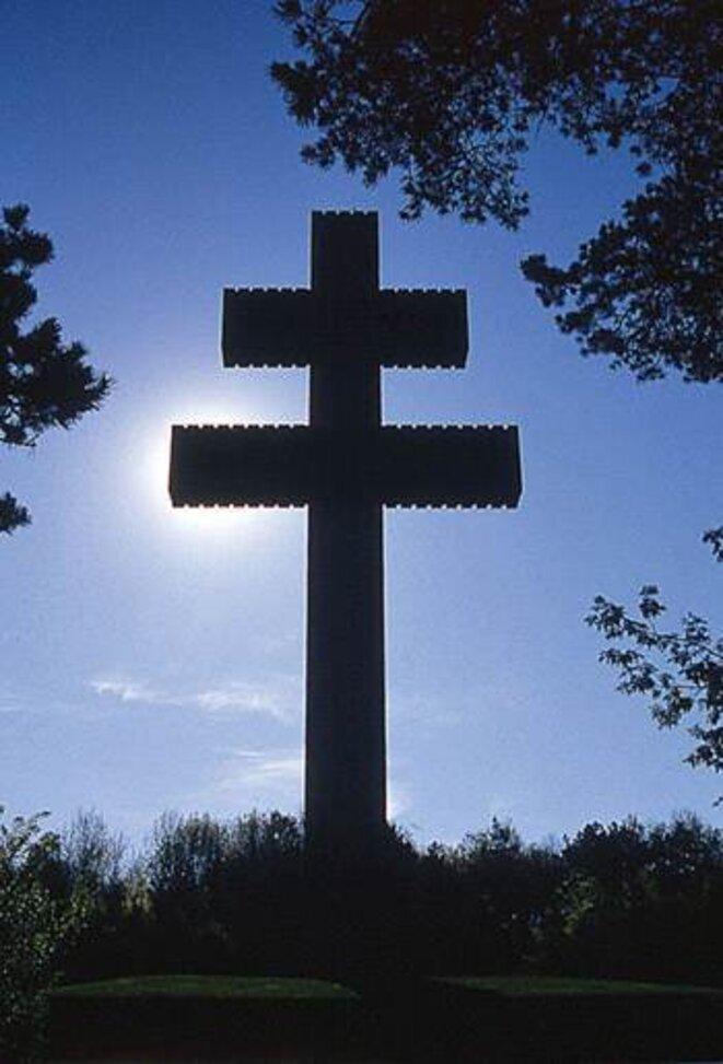 La croix de Lorraine - Mémorial Charles de Gaulle