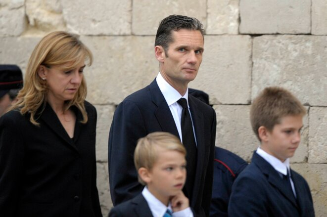 La infanta Cristina, su marido Iñaki Urdangarin y sus hijos, en 2012. © Vincent West/Reuters