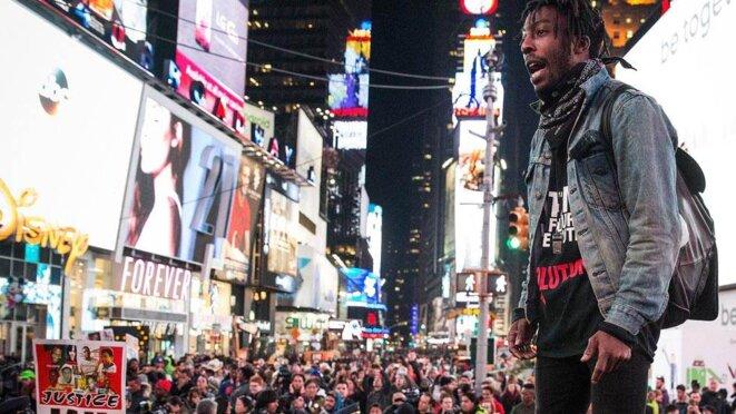 Protestas en Nueva York por la absolución del policía que estranguló a Gamer