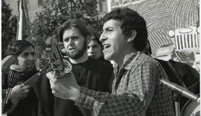 El cantautor Víctor Jara fue asesinado poco después del golpe militar de Pinochet en Chile. © CJA