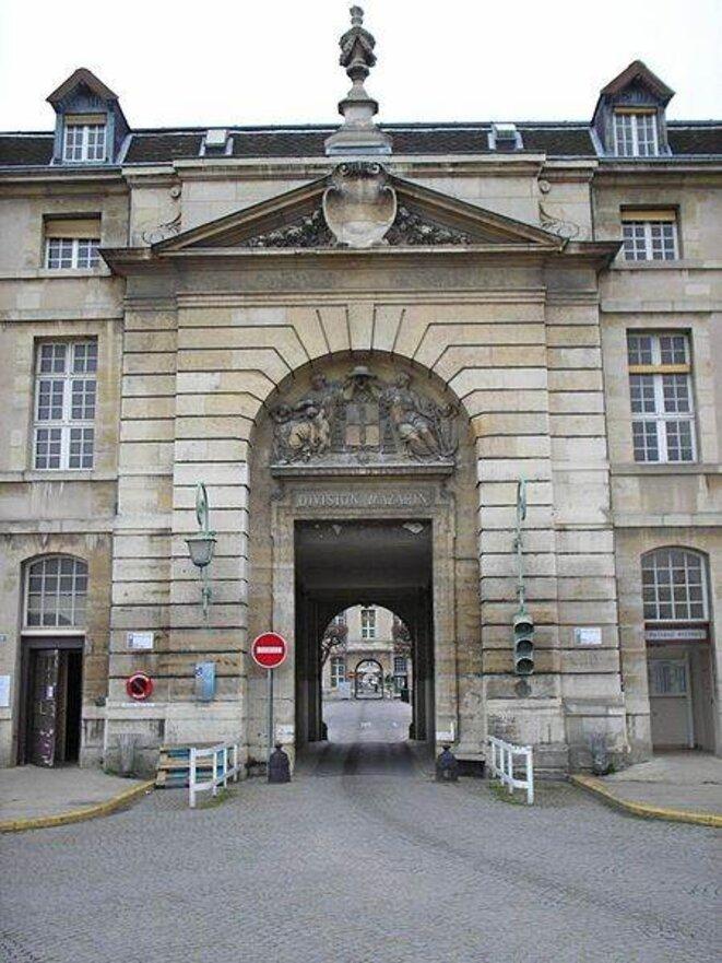 L'hôpital de la Pitié-Salpêtrière (entrée Mazarin). © Vaughan