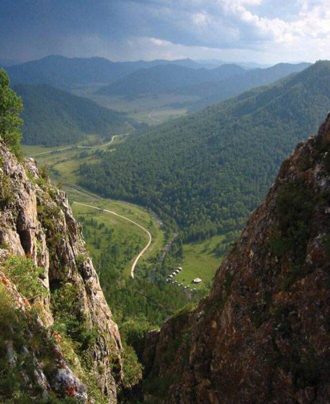 Le site de la grotte de Denisova, en Sibérie