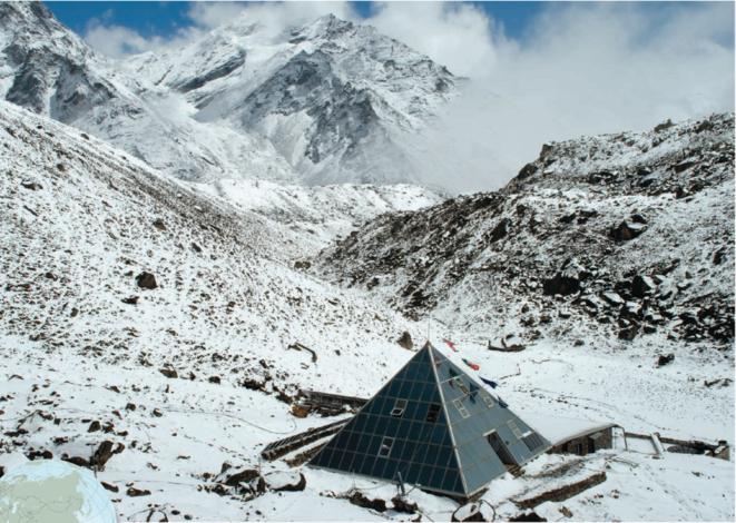 """L'observatoire climatique népalais """"Pyramid"""", à 5000 m d'altitude © DR"""